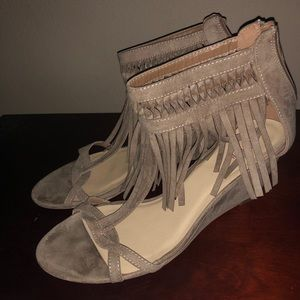 Fringed Wedge nude cute!